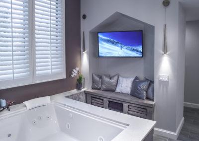 Bathroom Tub - View 2