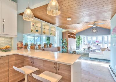 Kitchen - Peninsula